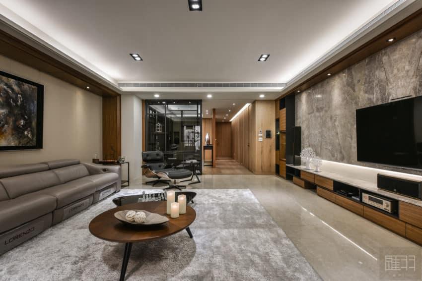 A Spacious Apartment Full of Contemporary Elegance (9)