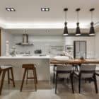 A Spacious Apartment Full of Contemporary Elegance (12)