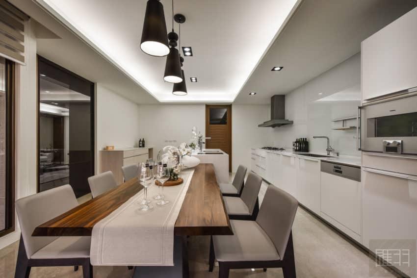 A Spacious Apartment Full of Contemporary Elegance (15)