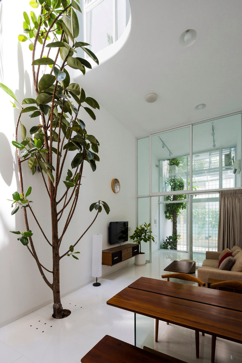 A Vertical Home in Ho Chi Minh City (2)
