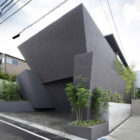 ARTechnic Architects Design A Modern Geometric Home (1)