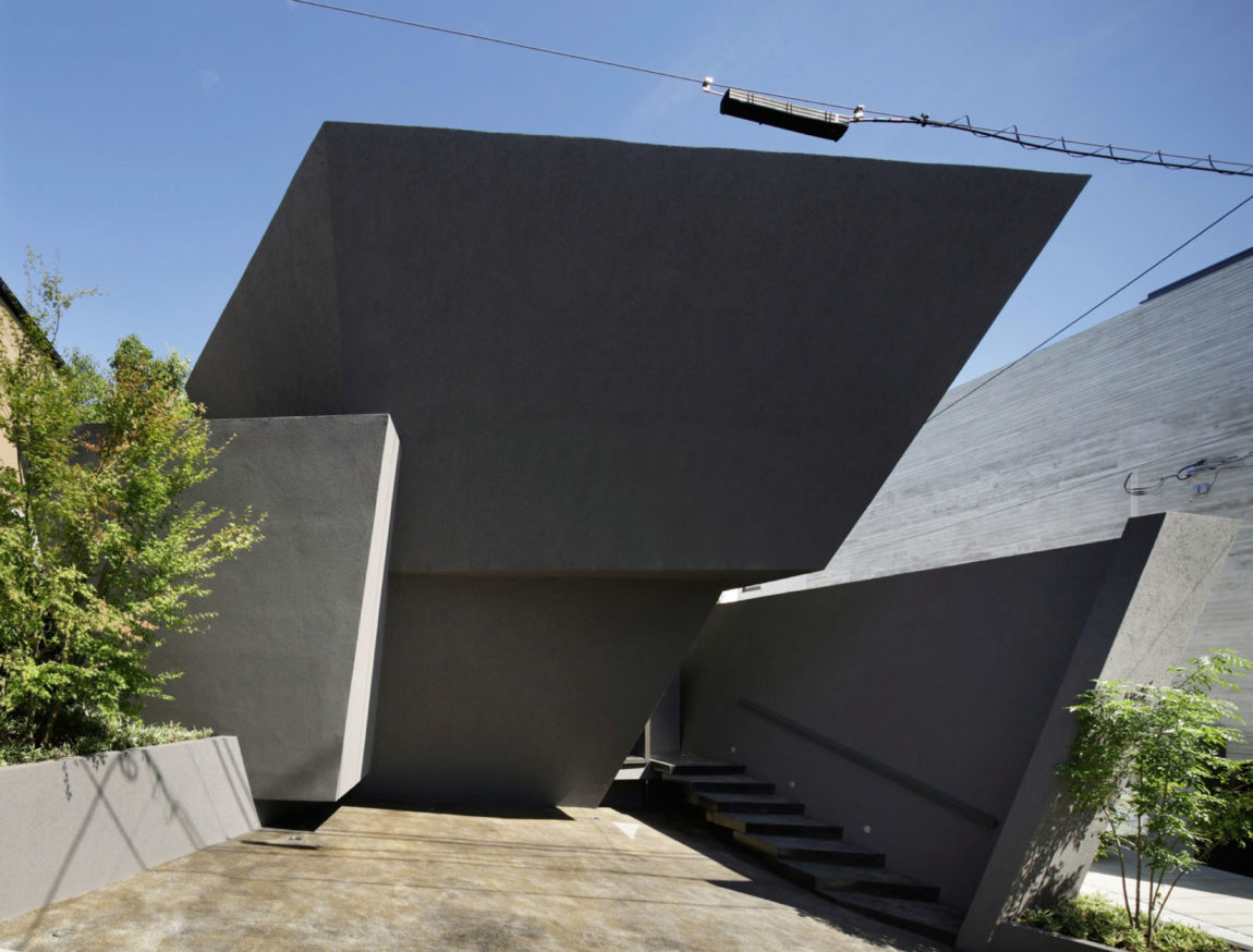 ARTechnic Architects Design A Modern Geometric Home (3)
