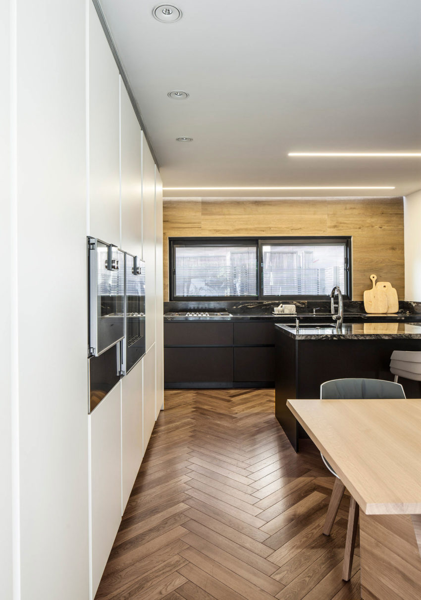 B House by Tal Goldsmith Fish Design Studio (7)