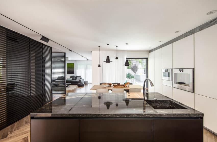 B House by Tal Goldsmith Fish Design Studio (8)