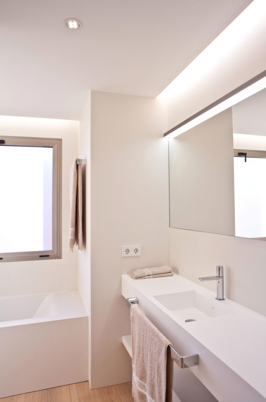 Horizon Apartment by Barea + Partners (11)