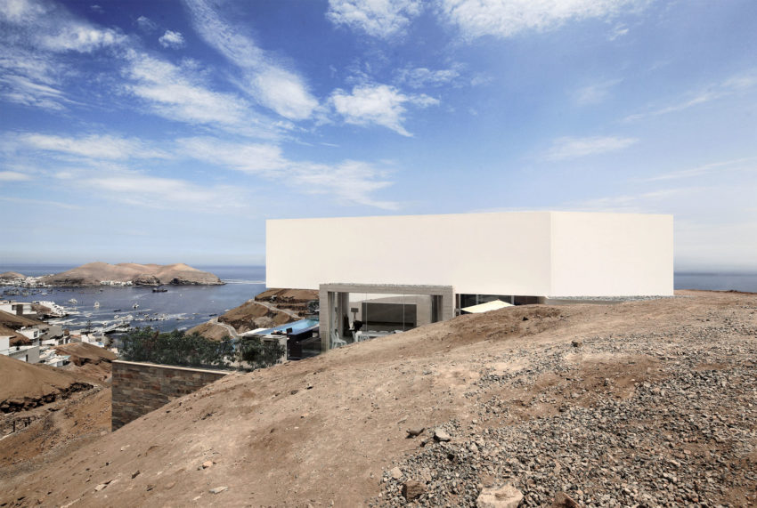 House Overlooking the Bay (5)