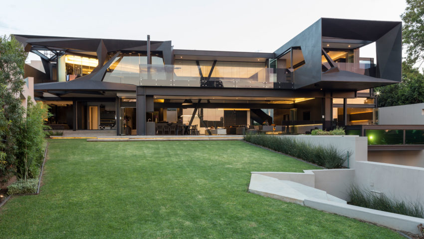 Kloof Road House by Nico van der Meulen Architects (2)