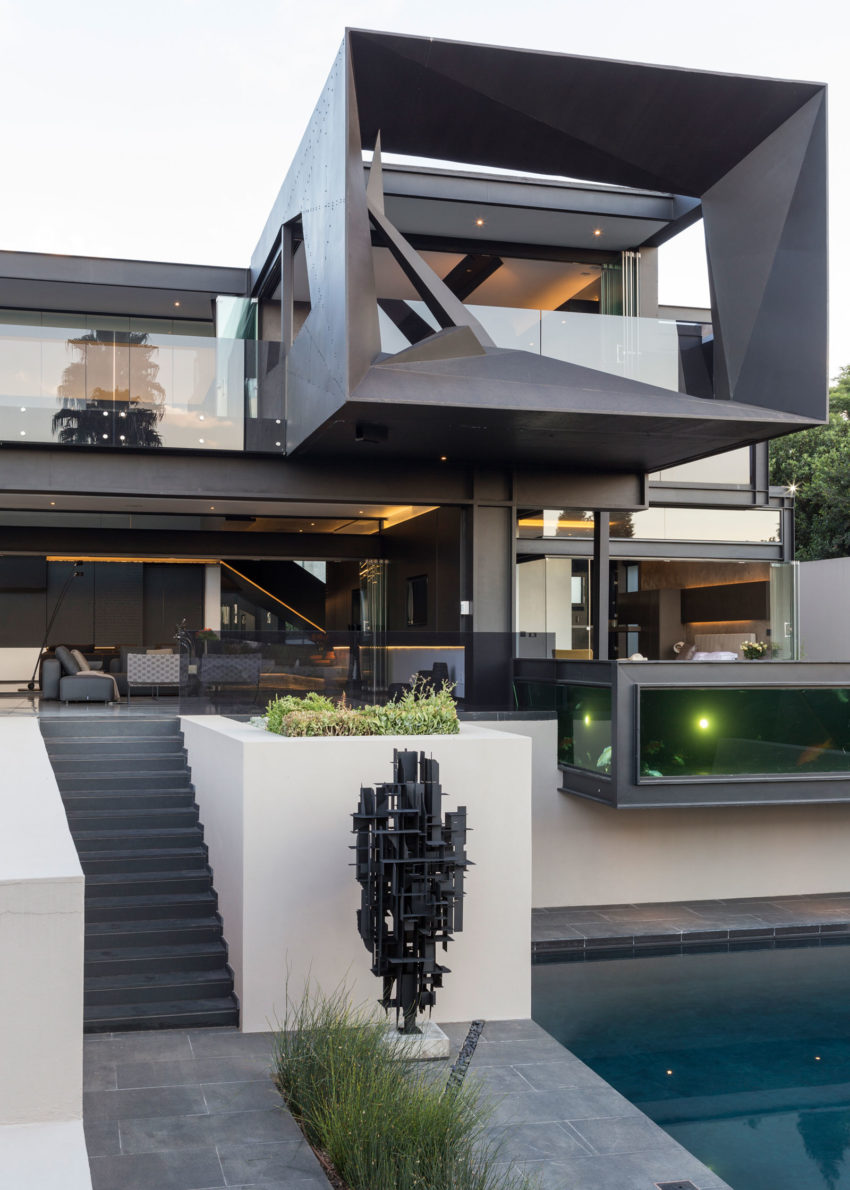 Kloof Road House by Nico van der Meulen Architects (4)