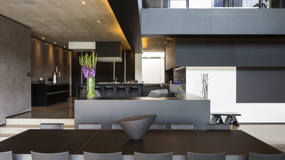 Kloof Road House by Nico van der Meulen Architects (11)