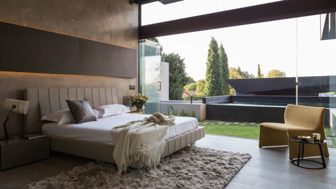 Kloof Road House by Nico van der Meulen Architects (21)
