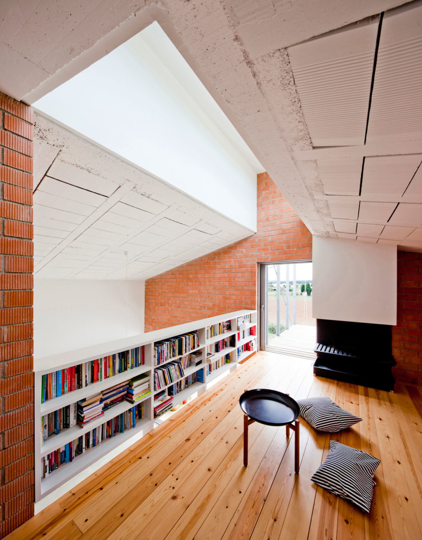MMMMMS House by Anna & Eugeni Bach (14)
