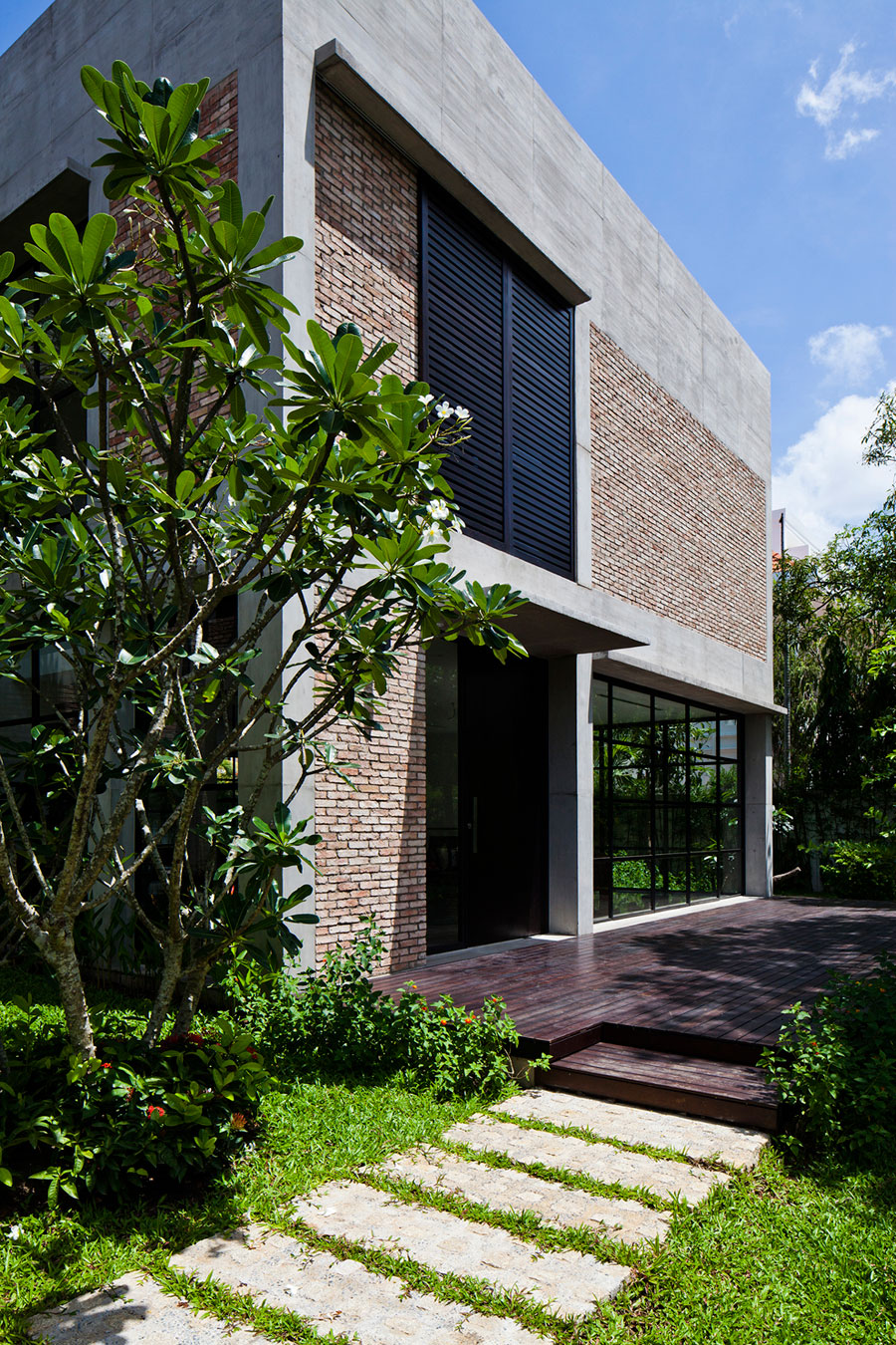 Private Villa Renovation by MM ++ Architects (4)