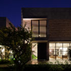 Private Villa Renovation by MM ++ Architects (26)