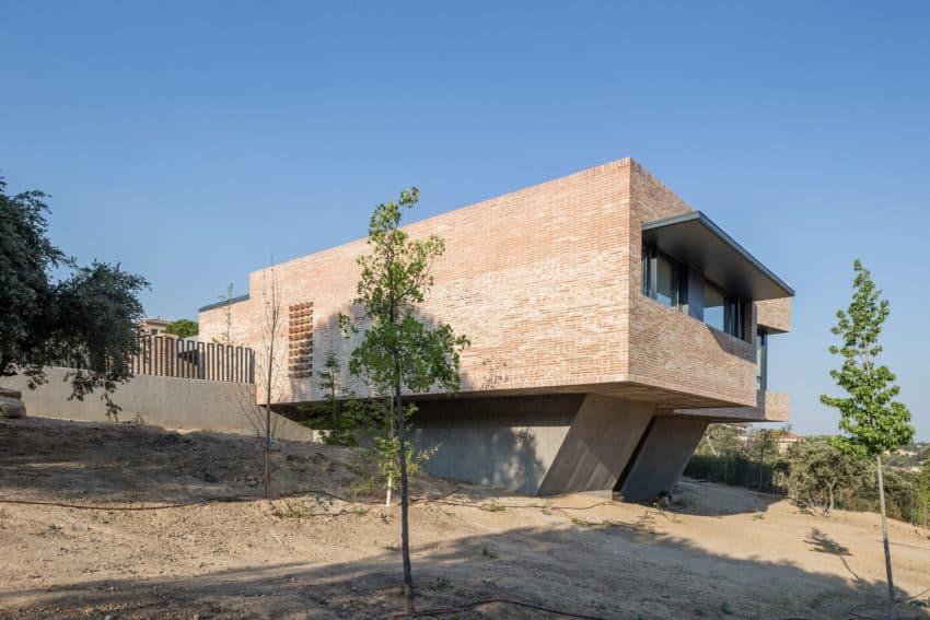 Single-Family Brick House by Mariano Molina Iniesta (4)