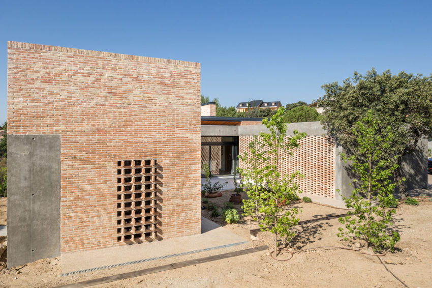 Single-Family Brick House by Mariano Molina Iniesta (7)