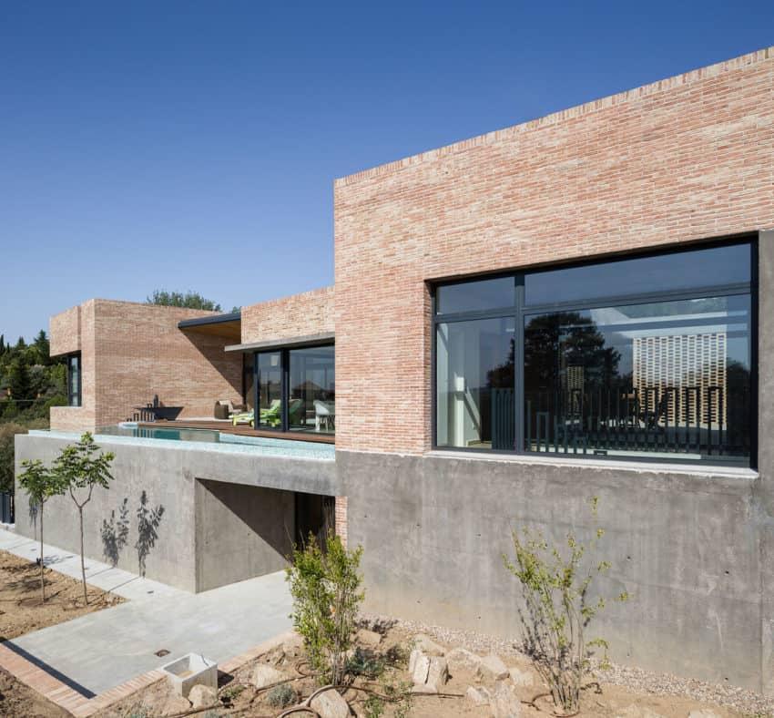 Single-Family Brick House by Mariano Molina Iniesta (10)