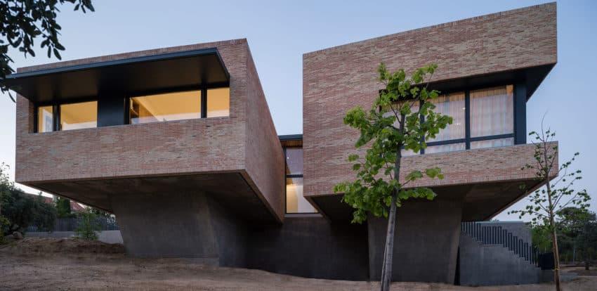 Single-Family Brick House by Mariano Molina Iniesta (15)