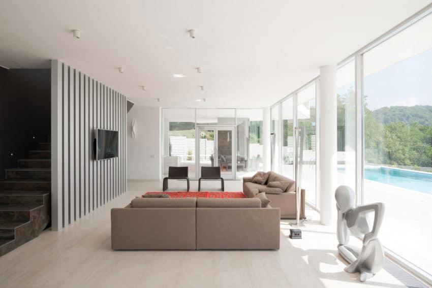 Spacious Contemporary Home by Alexandra Fedorova (14)