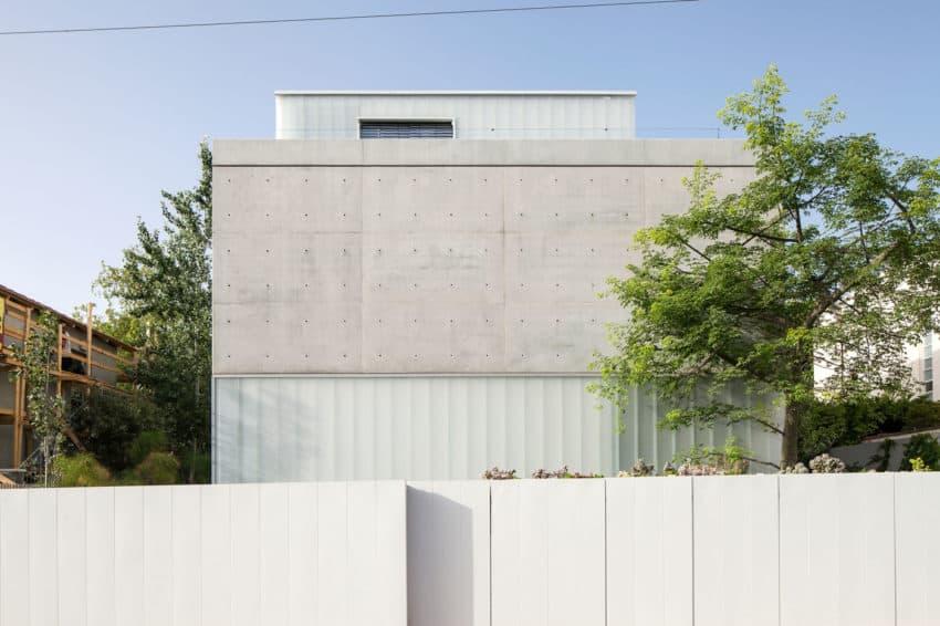 Stunning Contemporary Home in Ramat Gan (2)