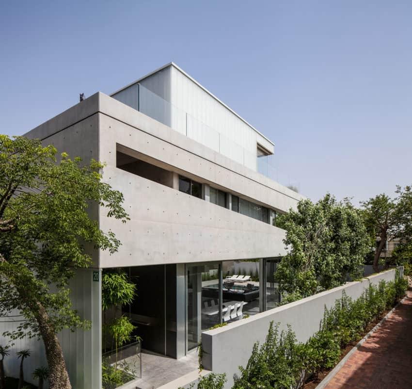 Stunning Contemporary Home in Ramat Gan (9)