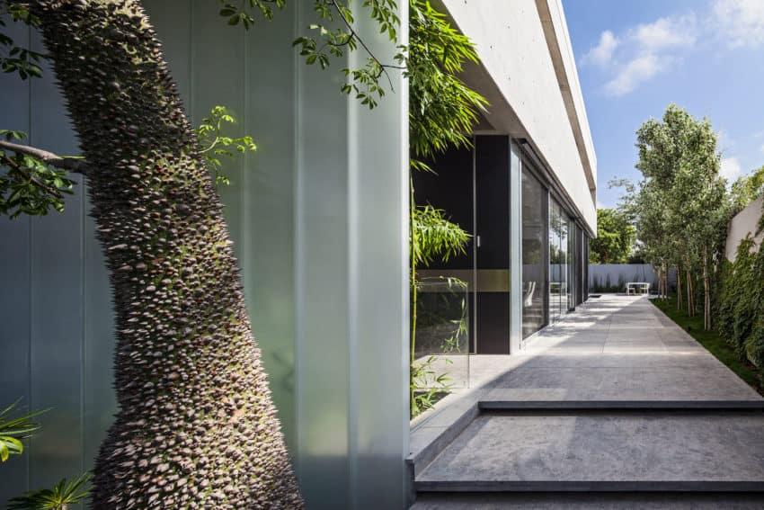 Stunning Contemporary Home in Ramat Gan (10)