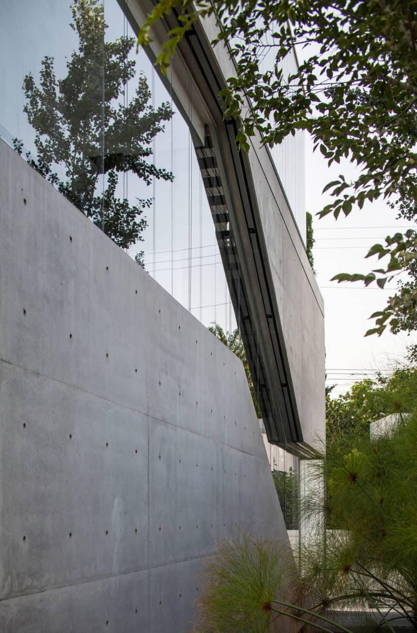 Stunning Contemporary Home in Ramat Gan (14)