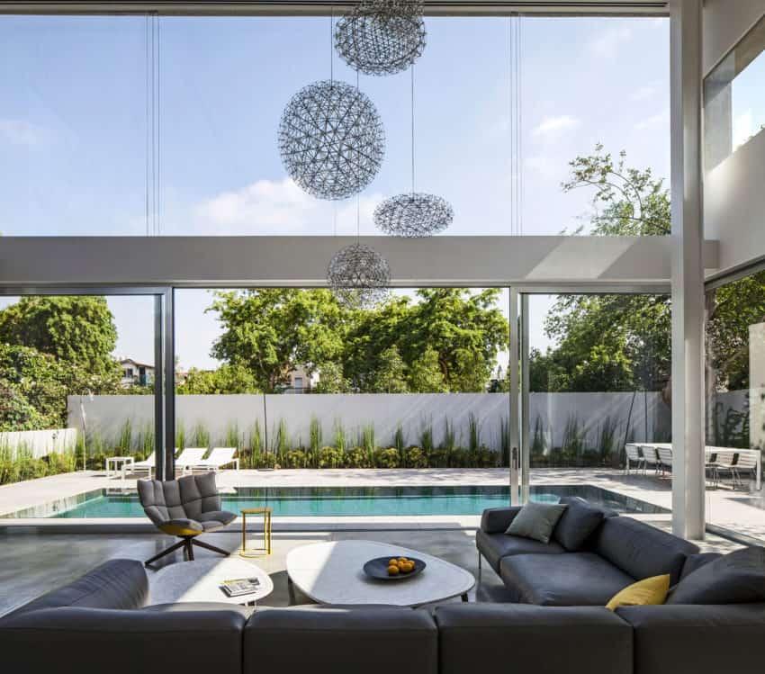 Stunning Contemporary Home in Ramat Gan (18)