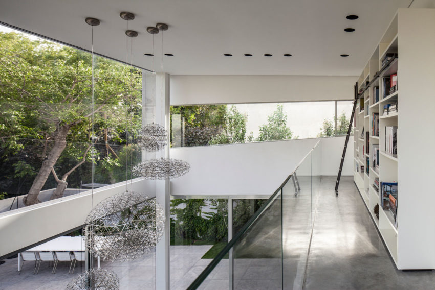 Stunning Contemporary Home in Ramat Gan (23)