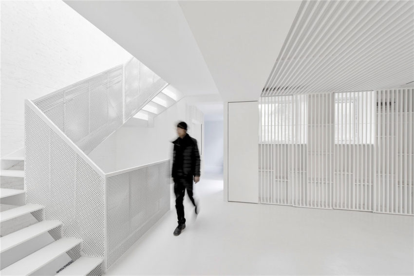 Beijing Hutong House Renovation by ARCHSTUDIO (7)