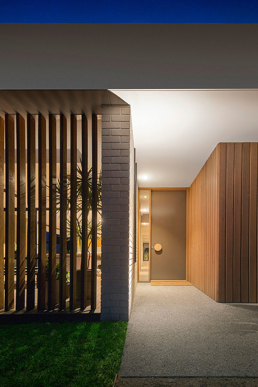 InForm Design A Timber and Glass Pavilion in Australia