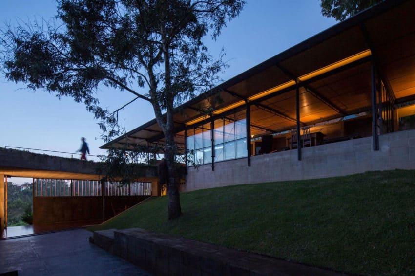 Casa Santo Antonio by H+F Arquitetos (21)