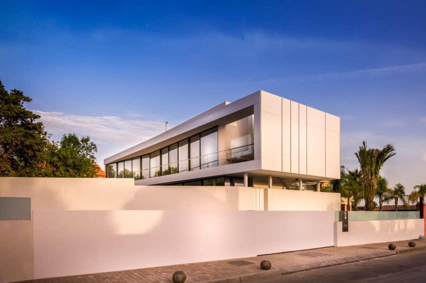 Cool Blue Villa by 123DV (1)