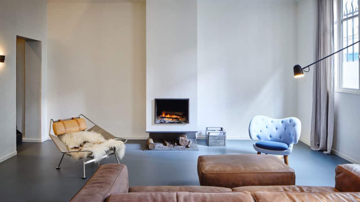Glass & Walnut Loft by CUT Architectures (10)