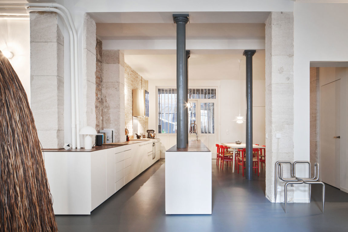 Glass & Walnut Loft by CUT Architectures (15)