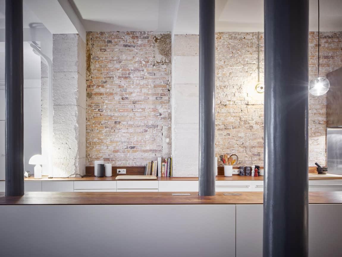 Glass & Walnut Loft by CUT Architectures (17)