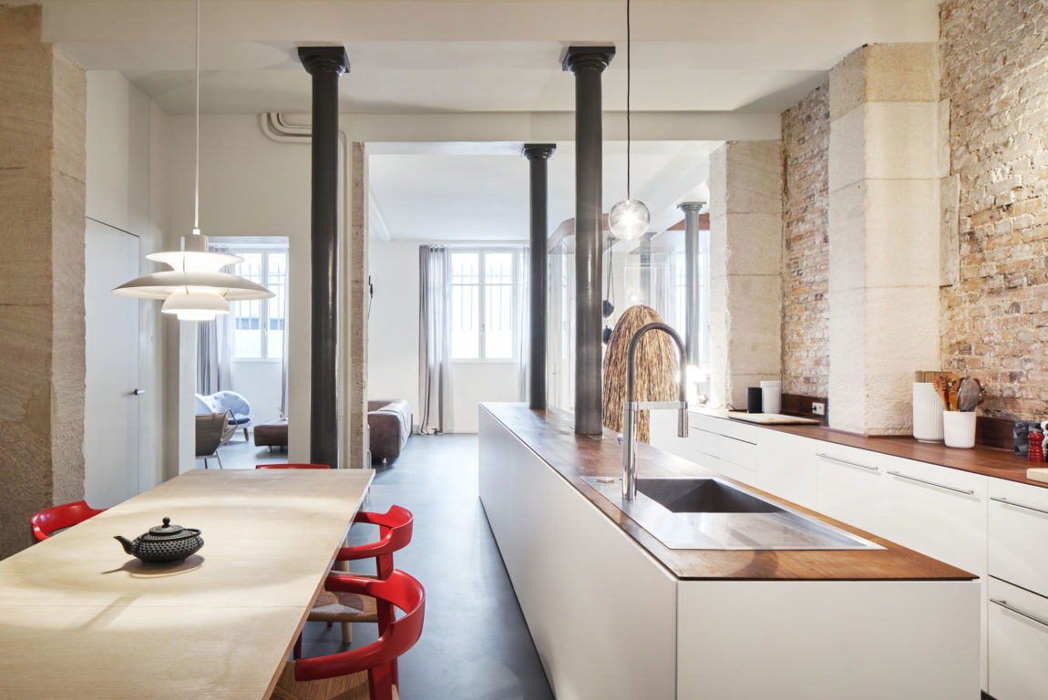 Glass & Walnut Loft by CUT Architectures (19)