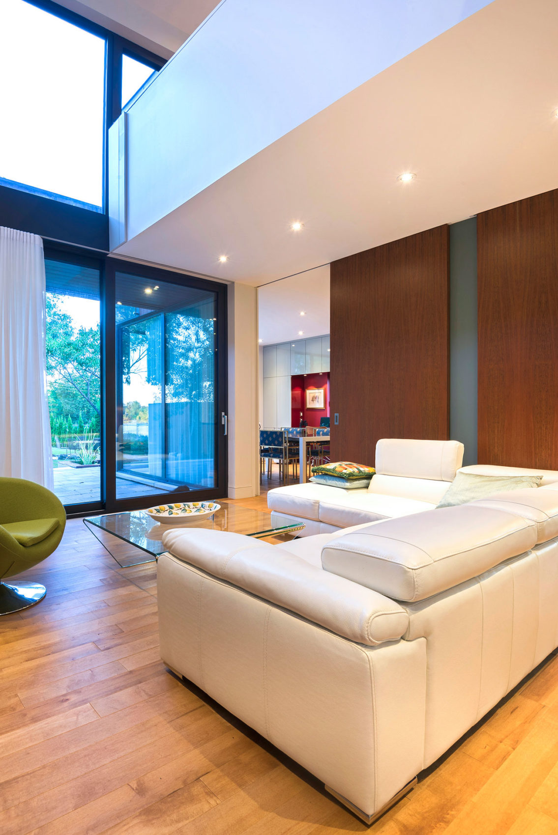 Home in Montreal by Anik Peloquin Architecte (7)