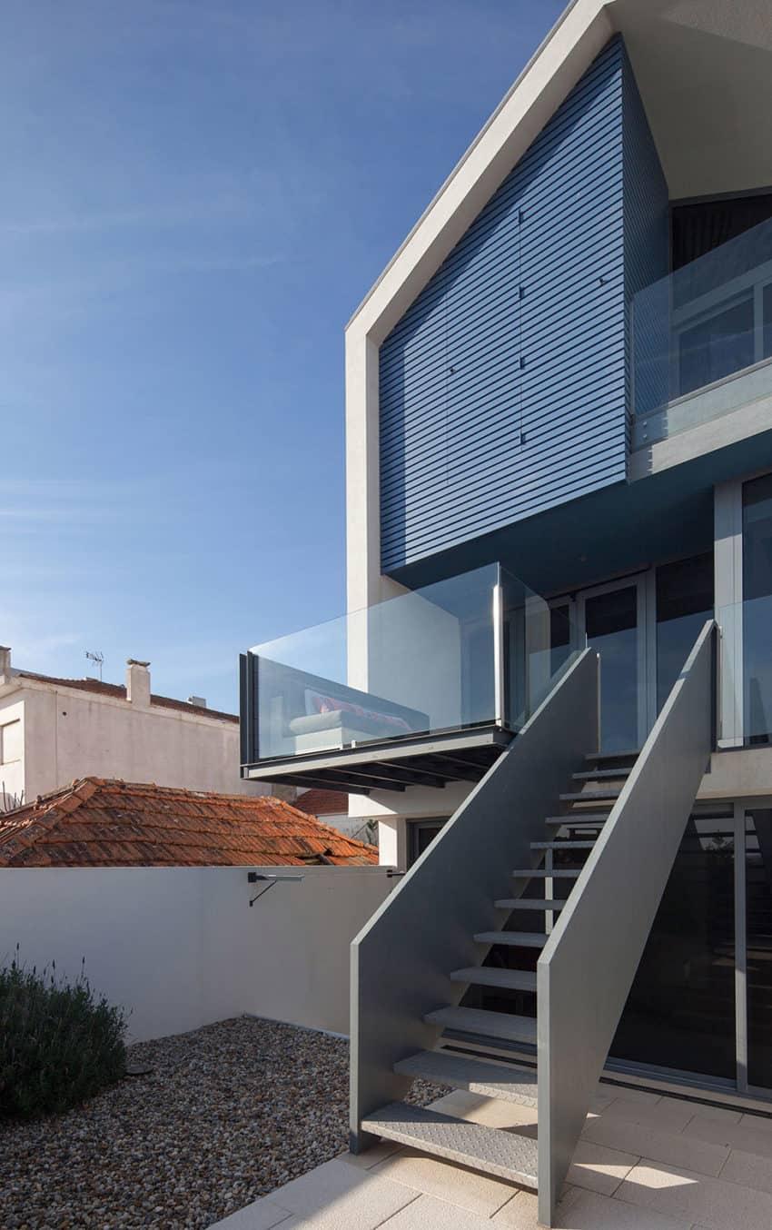 House in Bela Vista by RVdM Arquitectos (4)
