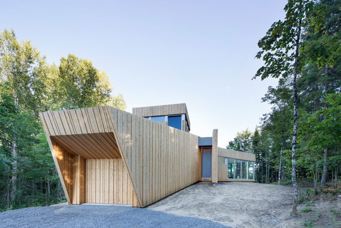 House on Lac Grenier by Paul Bernier Architecte (3)