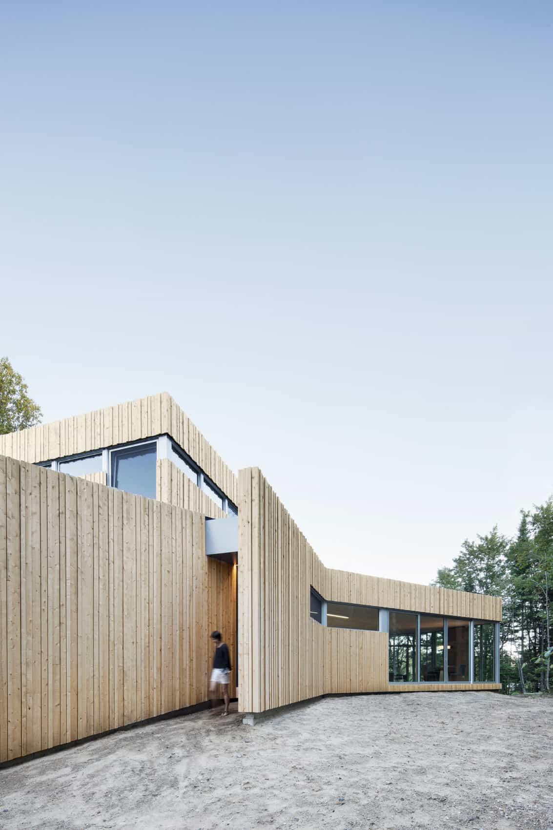 House on Lac Grenier by Paul Bernier Architecte (4)