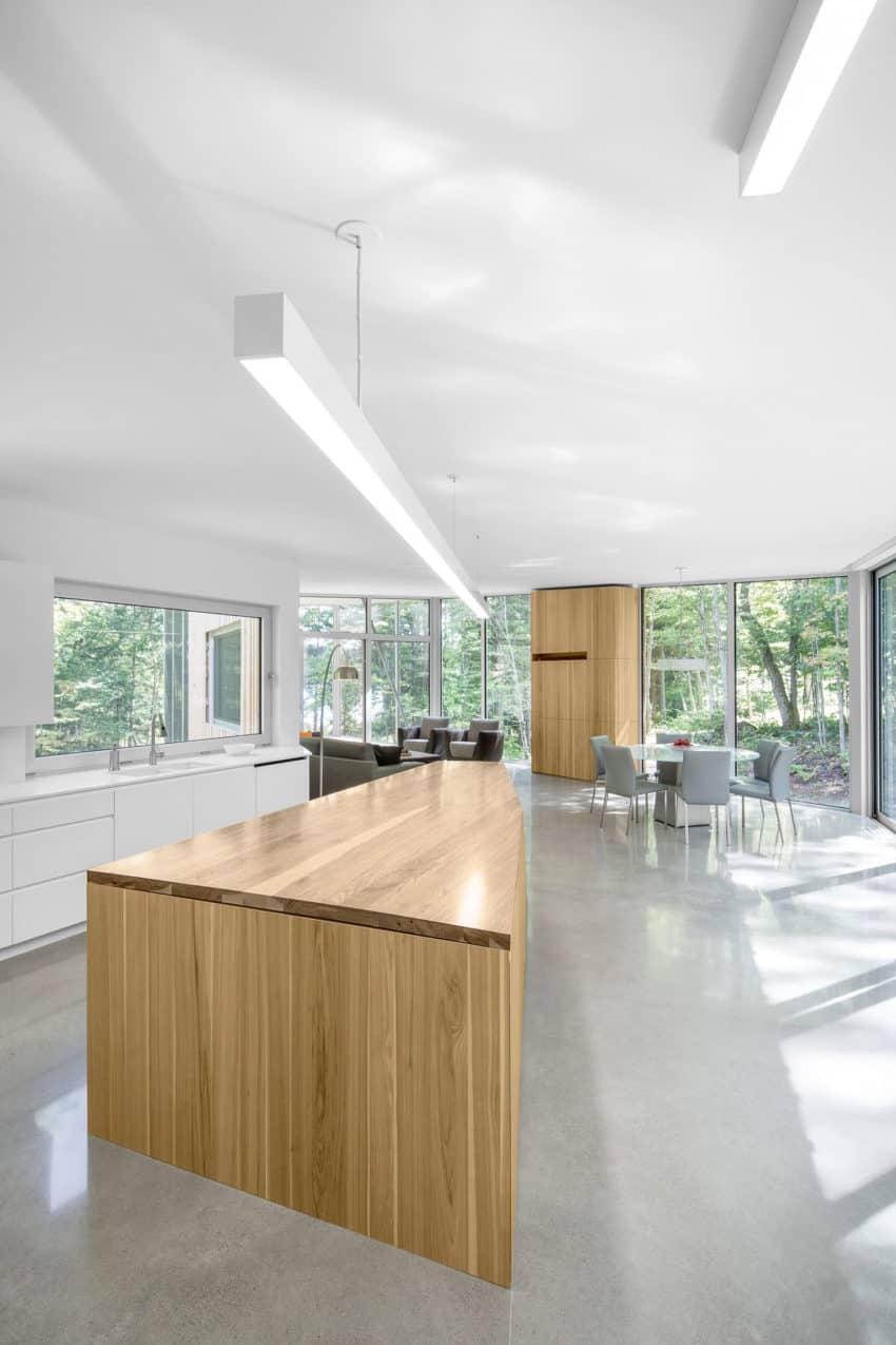 House on Lac Grenier by Paul Bernier Architecte (9)