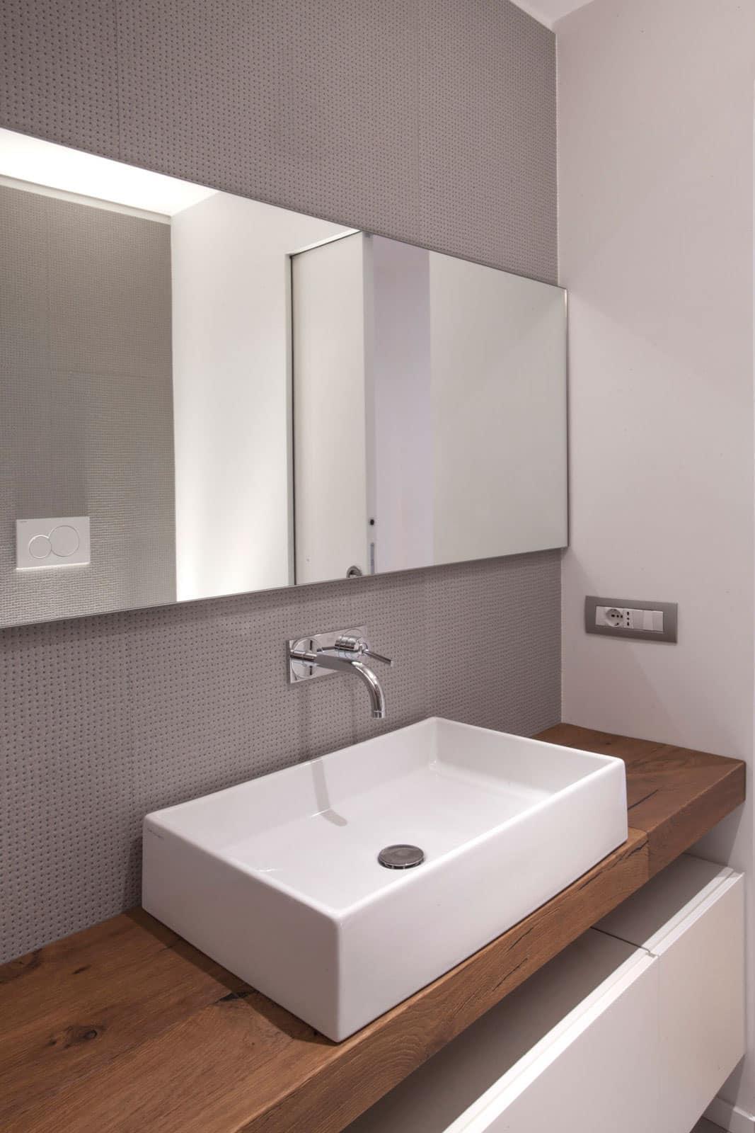 Mariella's Apartment by Luca Peralta Studio (11)