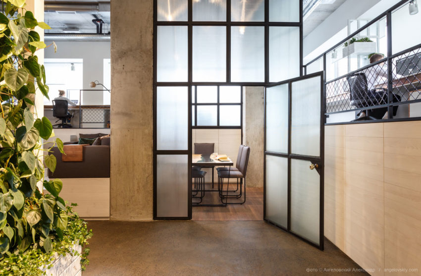 Office of Circle Line Interiors by Circle Line Interiors (2)