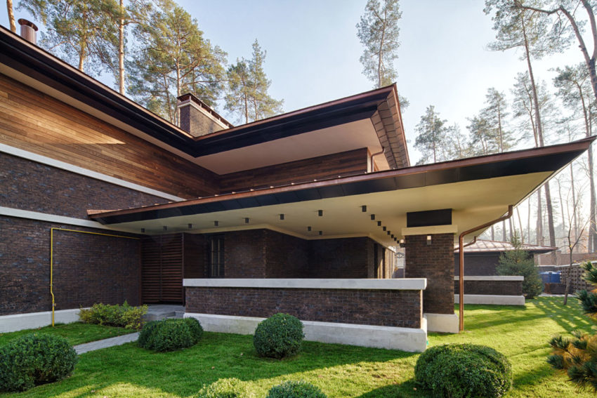 A F L Wright Inspired Contemporary Home