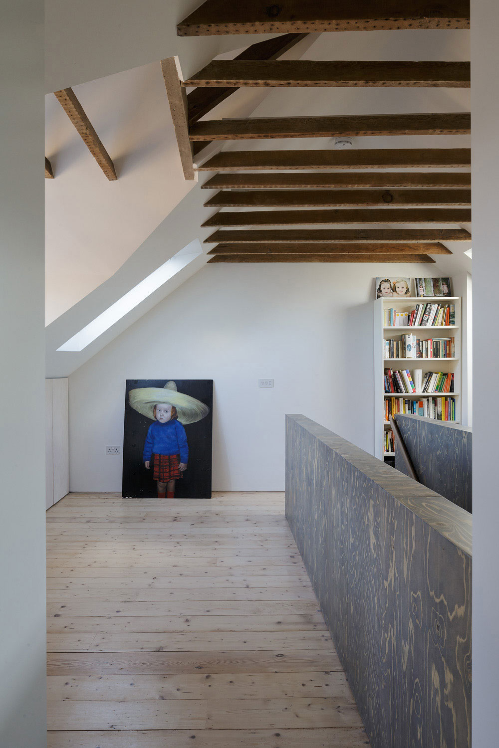 Semi Detached by Delvendahl Martin Architects (11)