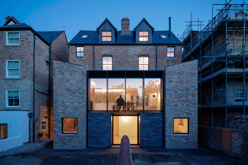 Semi Detached by Delvendahl Martin Architects (16)