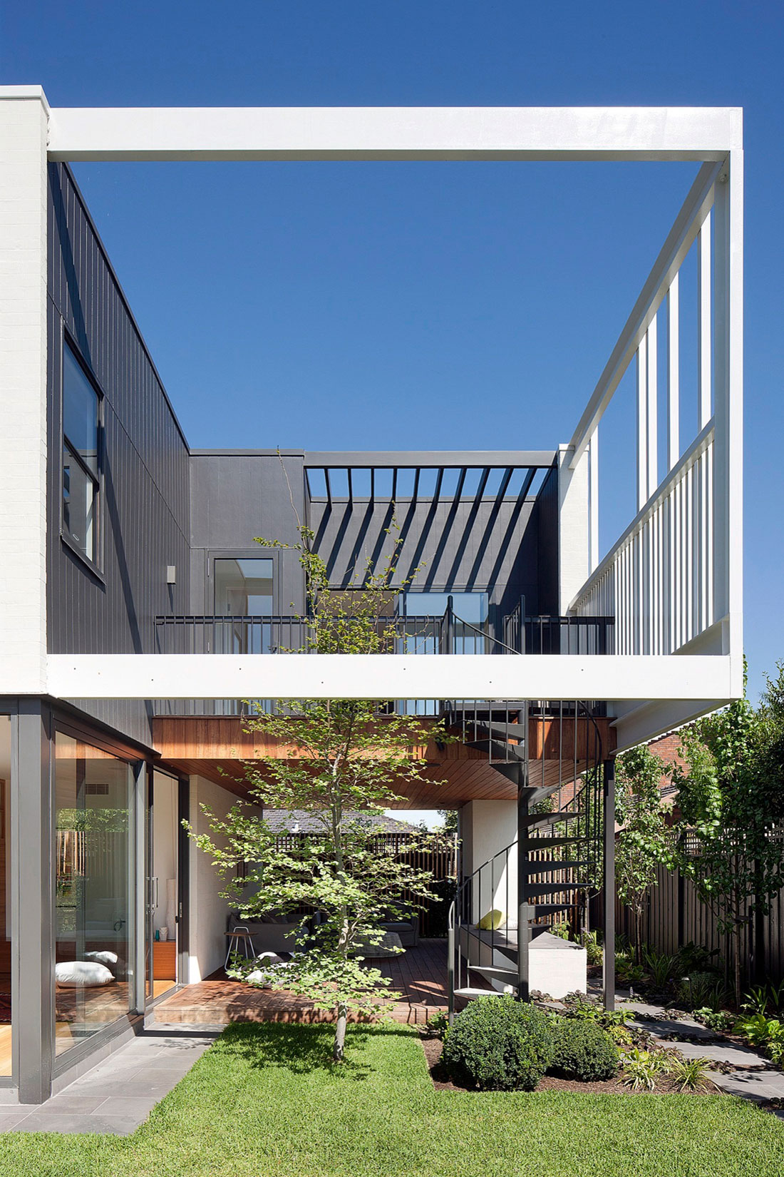 Stepping House by Bower Architecture (2)