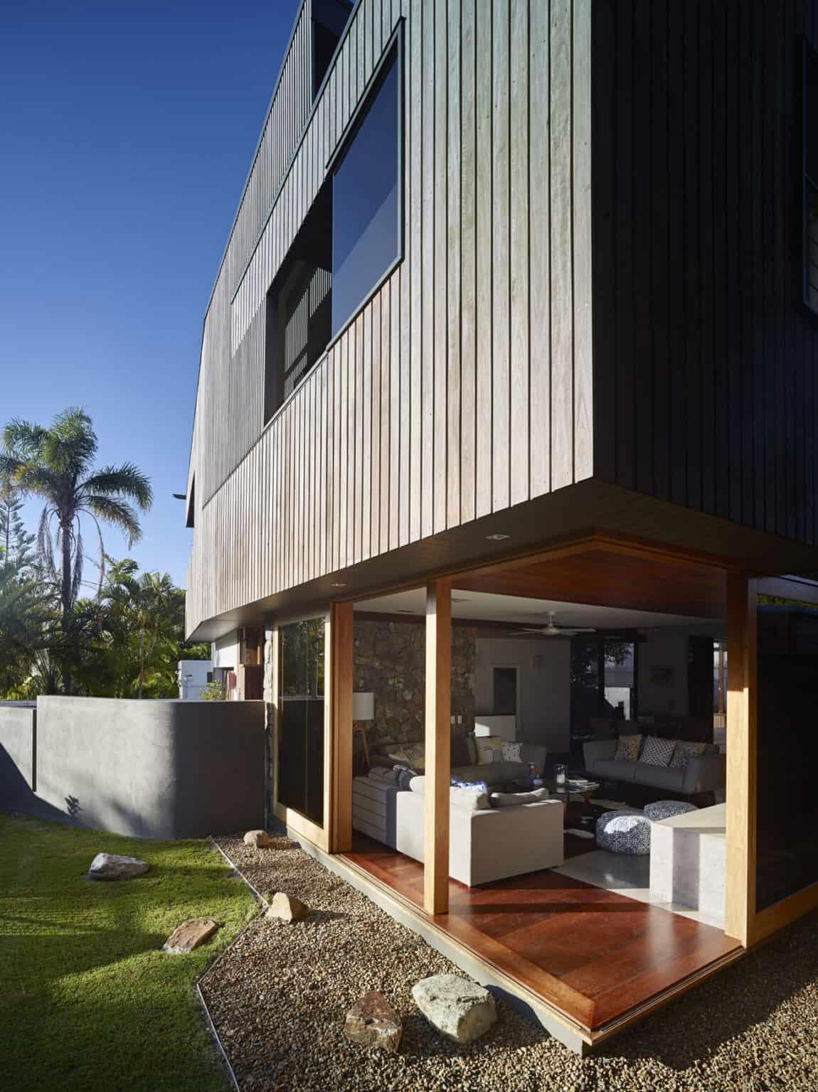 Sunshine Beach House by Shaun Lockyer Architects (3)
