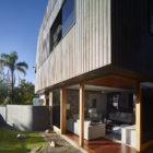 Sunshine Beach House by Shaun Lockyer Architects (3)