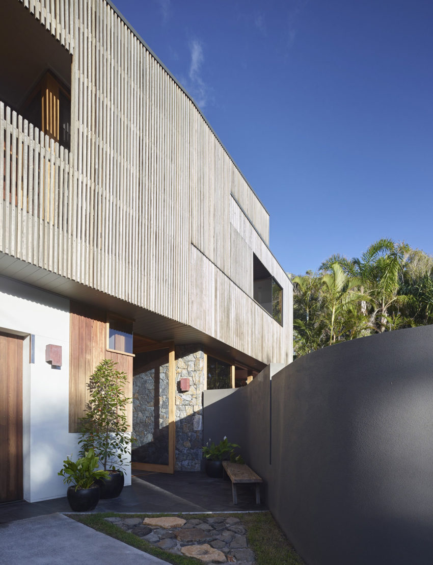 Sunshine Beach House by Shaun Lockyer Architects (4)